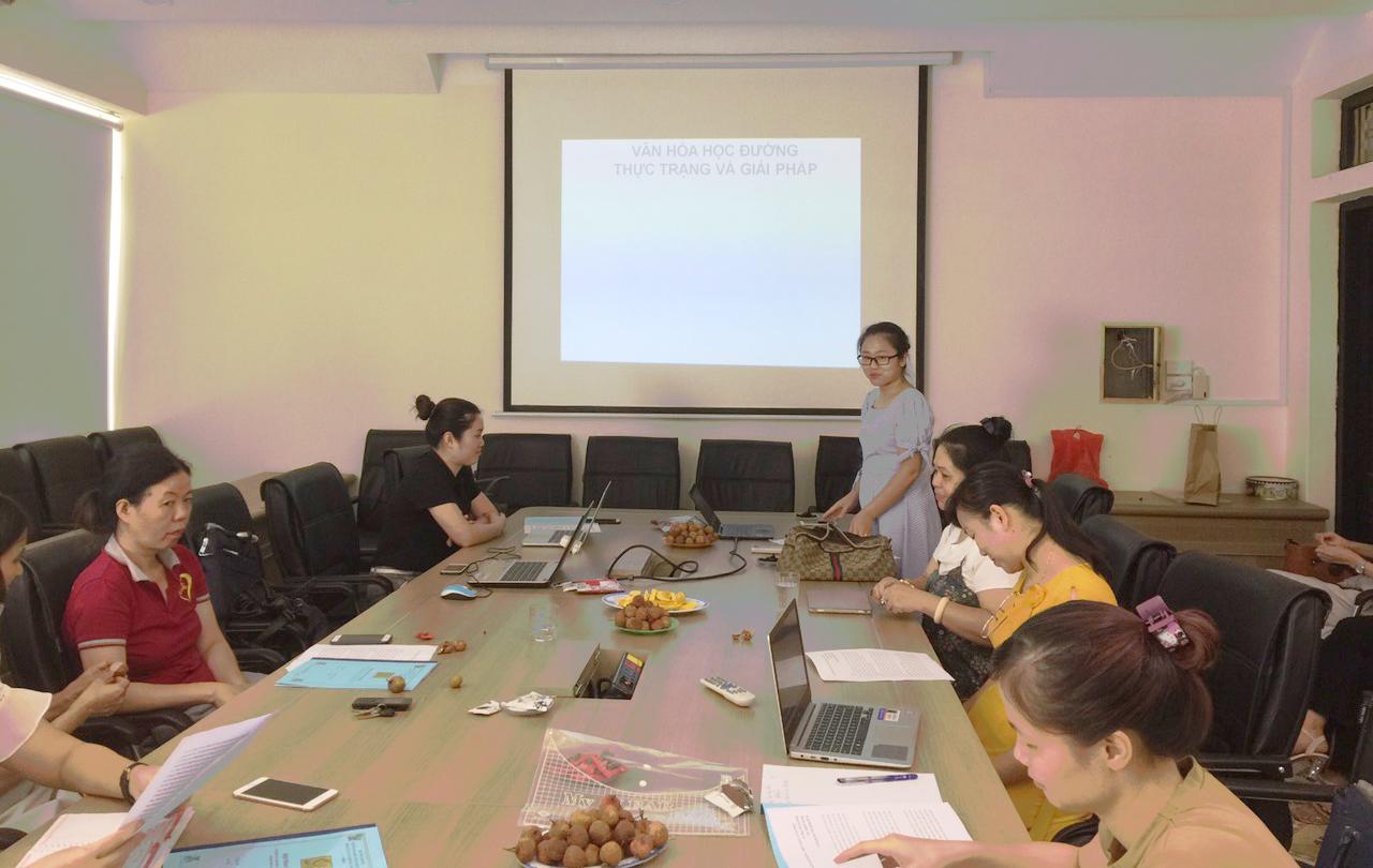 """Hội thảo """"Vai trò của giáo dục Lý luận chính trị, Pháp luật trong đào tạo nguồn nhân lực chất lượng cao đáp ứng yêu cầu của thực tiễn""""."""