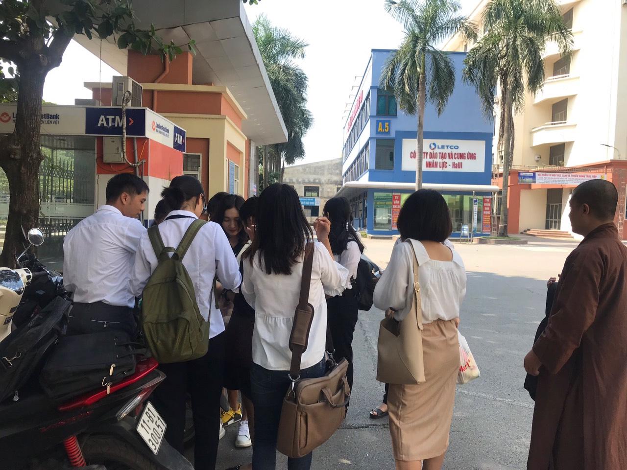 Khoa Lý luận Chính trị - Pháp luật chào đón 19 sinh viên Khoa Khoa Triết học, Trường Đại học Sư phạm Hà Nội đến thực tập