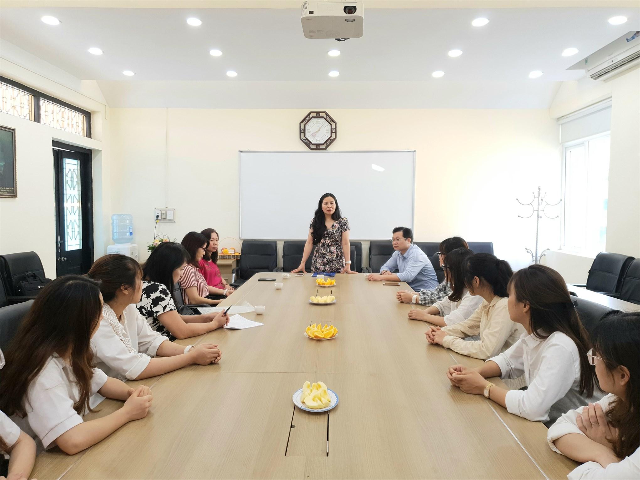 Chào mừng 13 sinh viên Học viện Báo chí và Tuyên truyền đến kiến tập