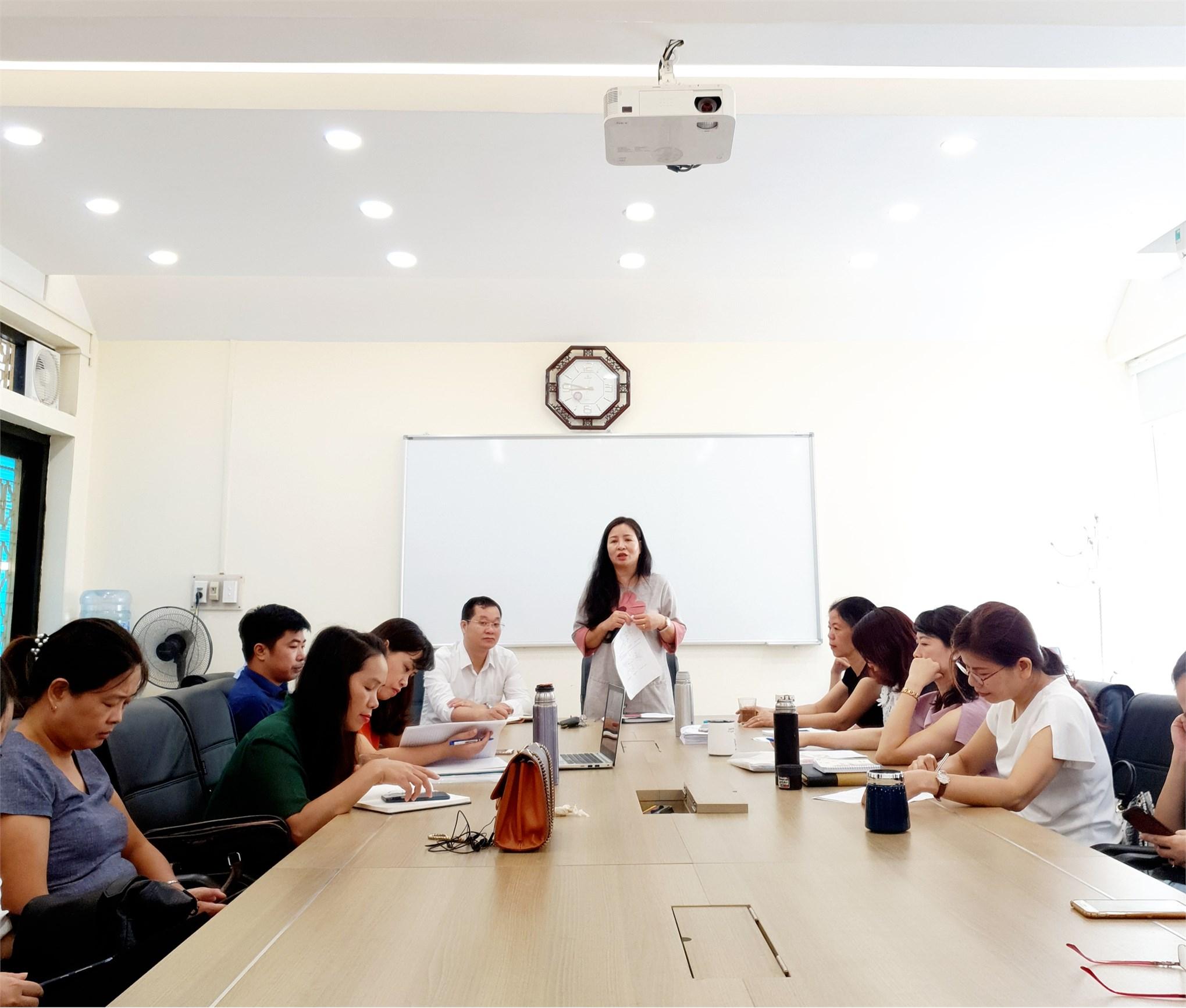 Họp phân loại, bình xét thi đua viên chức, công đoàn năm học 2019-2020