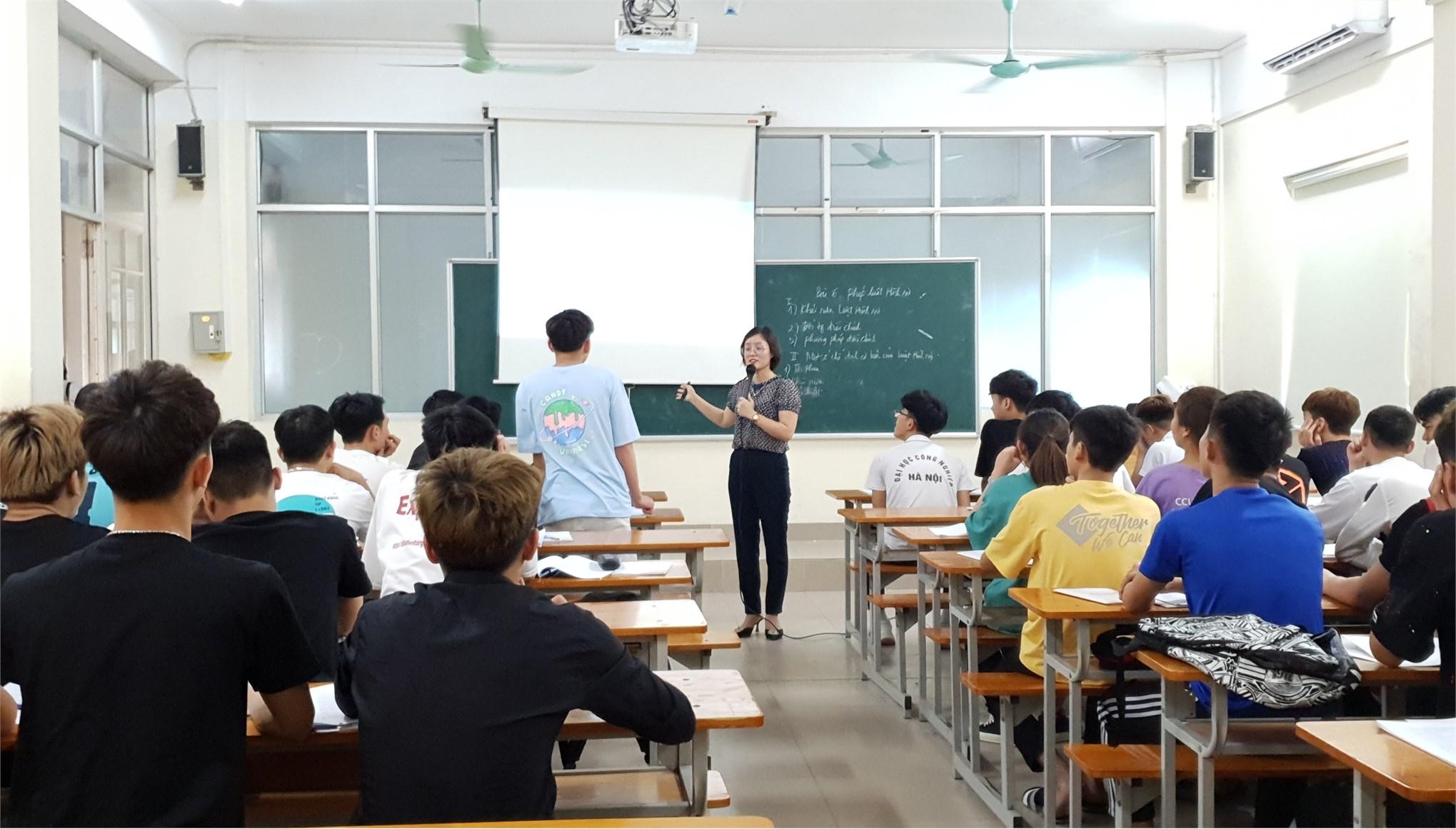 Hội thi giảng viên giỏi nghiệp vụ sư phạm cấp bộ môn Khoa Lý luận Chính trị - Pháp luật năm học 2020 - 2021
